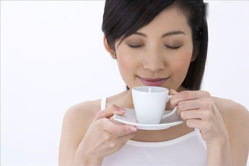 Khi nào không nên uống trà xanh?