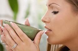 Uống trà xanh tốt cho răng miệng