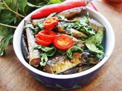 Cách làm món cá kèo kho rau răm