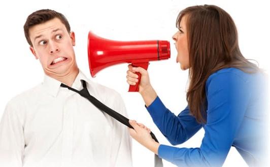 Những hành động khiến bạn trai khó chịu