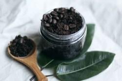 Tẩy da chết bằng bã cà phê hiệu quả
