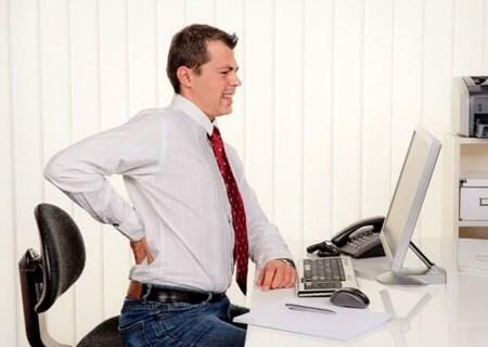 Dân văn phòng ngồi nhiều dễ mắc bệnh mãn tính
