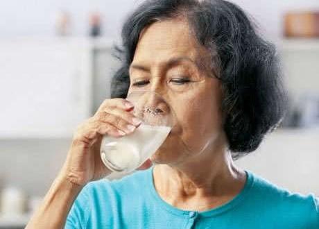 Phòng ngừa bệnh trĩ cho người cao tuổi