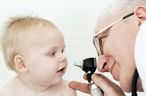 Cách điều trị lác mắt cho trẻ
