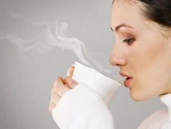 Uống cà phê và thức khuya nhiều có gây vô sinh không?