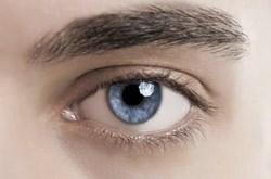 Thẩm mỹ xóa nếp nhăn có thể gây mù mắt