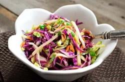 Cách làm món salad táo và bắp cải tím ngon