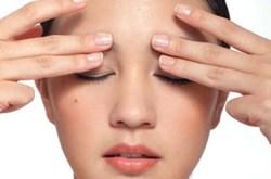 Cách chữa nhức mỏi mắt không cần dùng thuốc