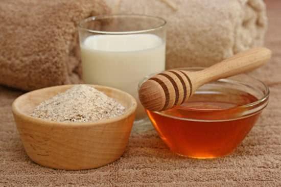 Mật ong và bột yến mạch