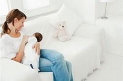 Cách tránh bị đau núm vú khi cho con bú