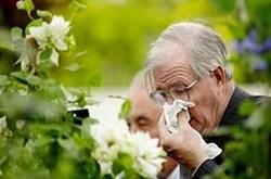 Phòng tránh bệnh hô hấp vào mùa đông cho người già