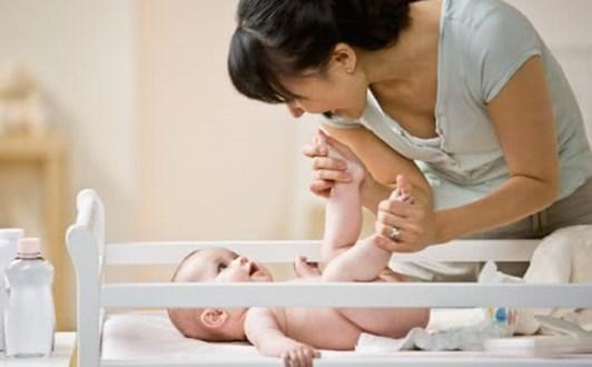 Trị hăm tã cho trẻ bằng phương pháp tự nhiên