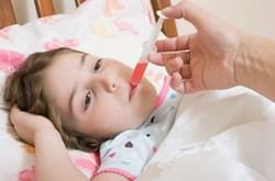 Cách sử dụng thuốc hạ sốt cho trẻ
