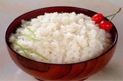 Tác hại ăn cơm nguội có thể gây ung thư dạ dày