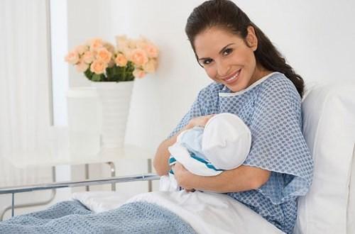 Lưu ý chăm sóc mẹ bầu sau sinh
