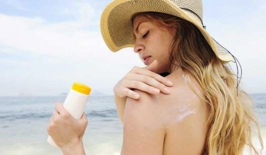 Những người không nên dùng kem chống nắng