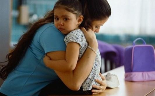 Điều cần làm khi trẻ bị sốt cao co giật