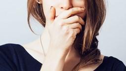 Cách làm nước súc miệng giúp trị hôi miệng