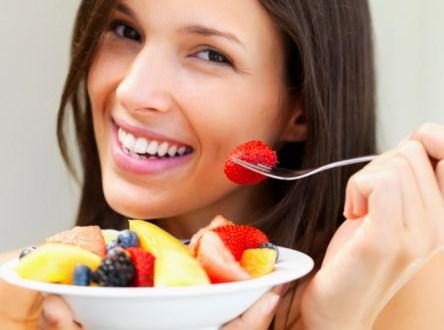 Có nên ăn hoa quả sau khi ăn cơm không?