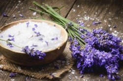 Tác dụng của muối trắng giúp làm đẹp