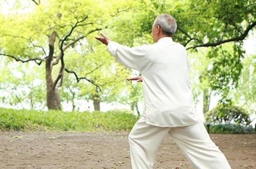 Bài tập thể dục tốt cho người bị thoái hóa khớp gối