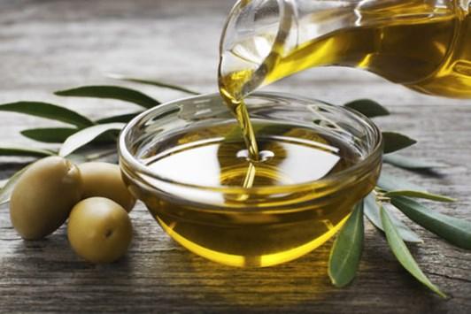 Các loại nguyên liệu tự nhiên rẻ tiền giúp chăm sóc, phục hồi tóc hư tổn