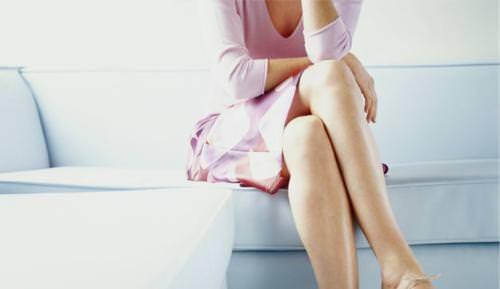 Ngồi vắt chéo chân không tốt cho sức khỏe