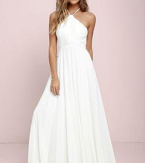 Trang phục cần tránh khi dự tiệc cưới