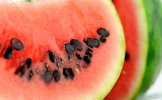 Ăn hạt dưa hấu có tác dụng gì?