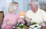 Chế độ ăn uống sinh hoạt cho người mới bị đột quỵ xong