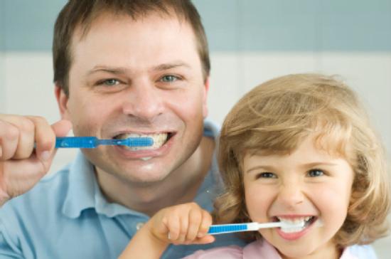 Giúp trẻ thích thú đánh răng