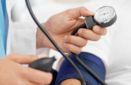 Đo huyết áp, giảm huyết áp cao tại nhà