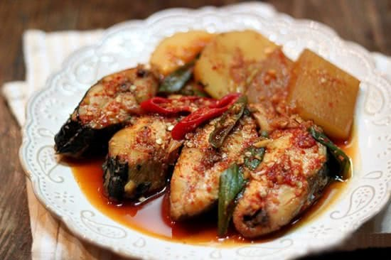 Cá kho củ cải