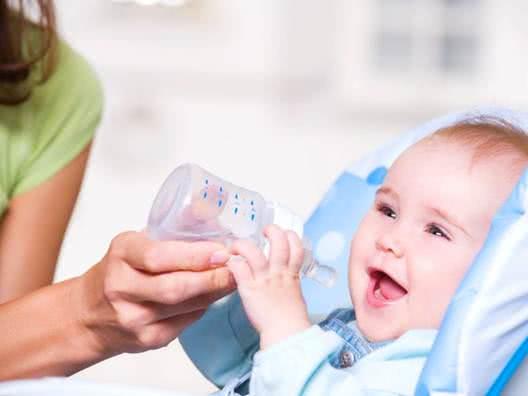 Cách phòng tránh mắc bệnh cho trẻ khi thời tiết chuyển mùa 3
