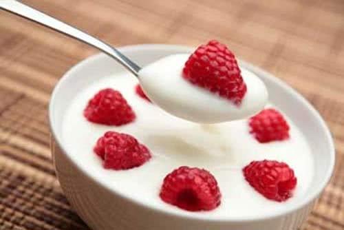 Sữa chua tốt cho người nhiệt miệng