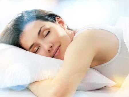 Ngủ, cách trị thâm mắt hiệu quả từ thiên nhiên