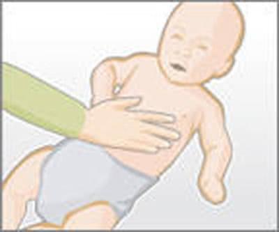 Mẹo thay tã dễ dàng cho trẻ 3