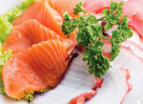 Người bị bệnh khớp nên ăn nhiều cá hồi