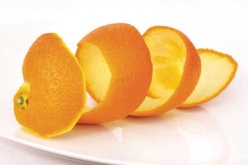 Vỏ cam làm trắng răng