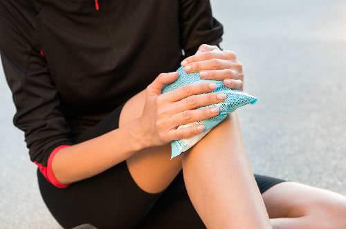 Chườm đá nóng chữa đau xương khớp