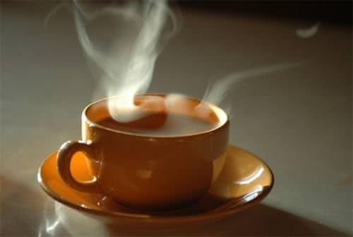 Trà nóng, uống trà quá nóng dễ gây ung thư thực quản