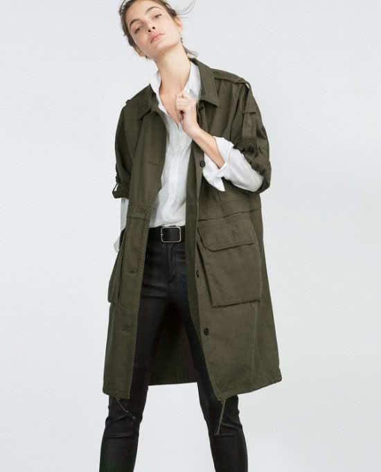 Mặc áo khoác không cài khóa