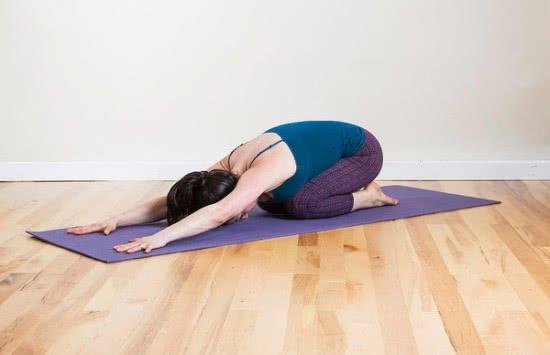 Động tác yoga phòng ngừa cảm lạnh 1