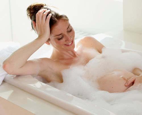 Lưu ý tắm vào mùa đông cho phụ nữ có thai
