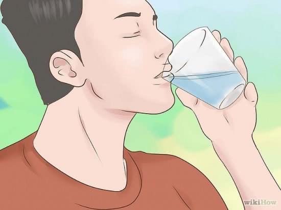 Uống nhiều nước thải độc cho thận