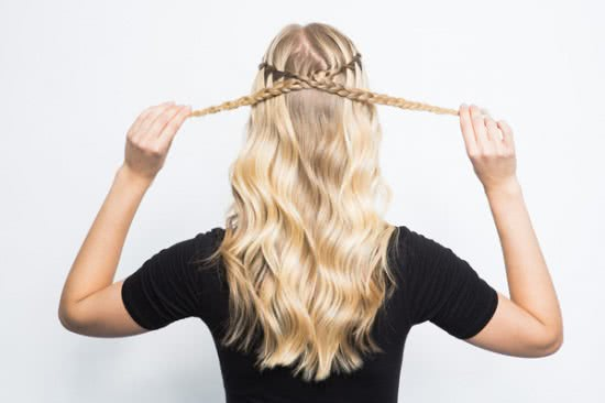 Đẹp dịu dàng với tóc tết thác nước 5