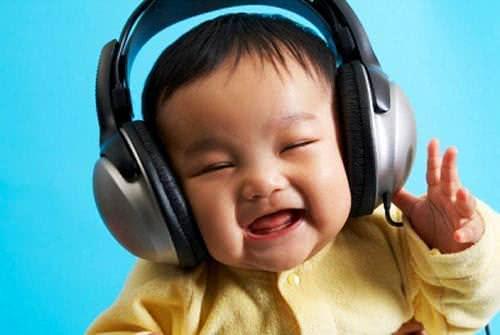 Trẻ nghe nhạc, tác dụng của âm nhạc