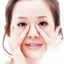 Xoa bóp chữa nghẹt mũi