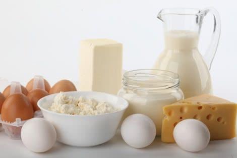 Bổ sung canxi và omega3 tránh đau đầu gối