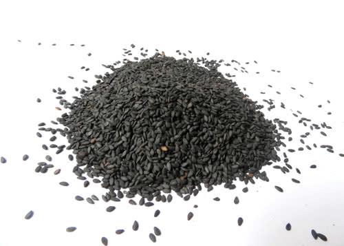 Hạt mè đen chữa đau mỏi xương khớp
